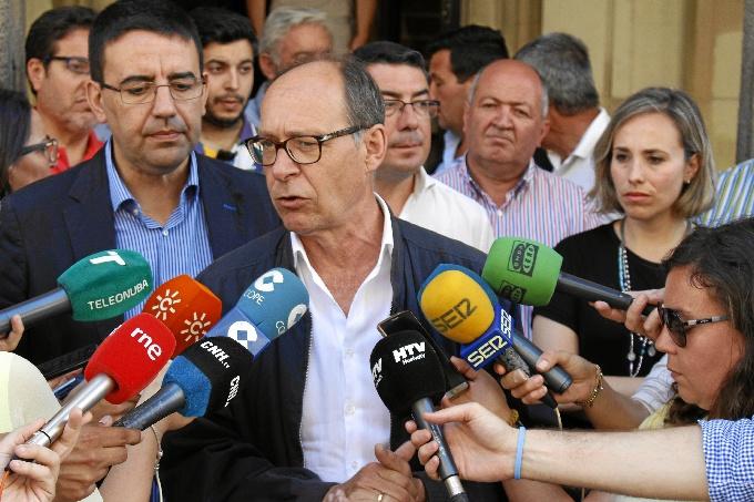 díaz trillo (Entrega escrito alcaldes y concejales afectados por la reforma de la PAC)