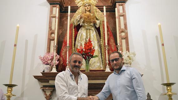 Firmado el contrato de ejecución del nuevo manto y faldones bordados para María Santísima de la Amargura