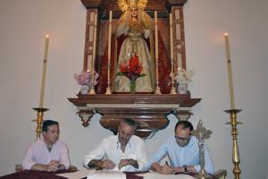 La firma del contrato tubo lugar en la capilla de la hermandad en la Concepción