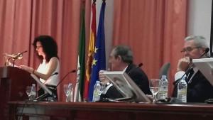 Durante la lectura de su discurso de ingreso en la Academia Iberoamericana de La Rábida.