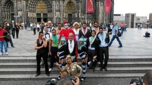 El onubense, junto al elenco del espectáculo en Colonia, Alemania.