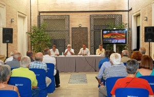 Un momento de la presentación de libro de Fernando Pineda en la Diputación Provincial de Huelva.