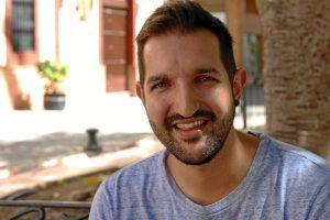 Luis ha visitado la redacción de HBN para explicarnos su nuevo proyecto. / Foto: José Rodríguez.