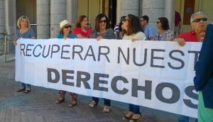 Movilizacion reciente trabajadoras de Limpieza frente al Ayuntamiento de Huelva.