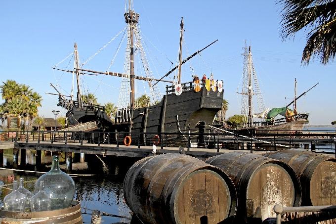 El Muelle de las Carabellas incrementa cada año el número de visitas que recibe.