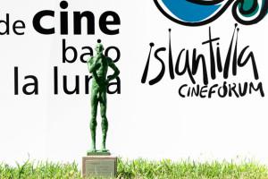 Escultura 'El Dilema' de Mario César de las Cuevas, que materializa el trofeo de este premio (fotografía de Curro Tobarra).