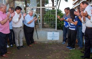 En la plaza del Velódromo se descubrió una placa conmemorativa del nacimiento del fútbol en España.