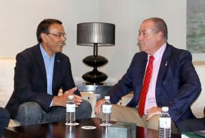 Caraballo y González durante la reunión.
