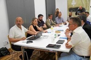 Diputación informa y explica a los hoteleros los detalles del Plan de Control de Mosquitos.