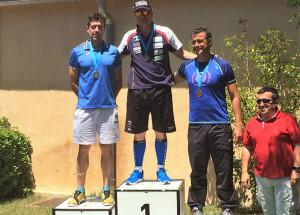 El onubense logró el triunfo en la categoría Máster B (40-49 años) en la Travesía del Valle de Iruelas.