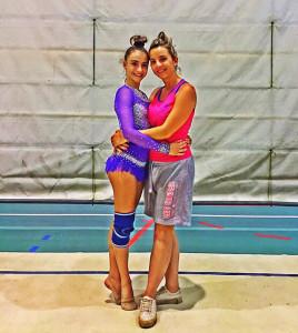 Sara Muñoz y su entrenadora Andriana Stoinska.