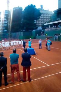 El portugués Joao Domingues, con el trofeo conquistado. / Foto: @rcrtenishuelva.
