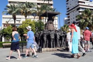 Muchos pasajeros han querido conocer el centro de Huelva.