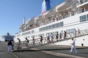Los pasajeros han llegado al Puerto de Huelva