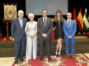 Foto de familia del acto.