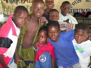 Niños del proyecto 'Chicos de la calle Benín'.
