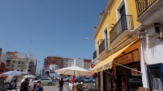 Un cortejo fúnebre-festivo recorrerá el lunes 31 de octubre 'los edificios muertos de Huelva'