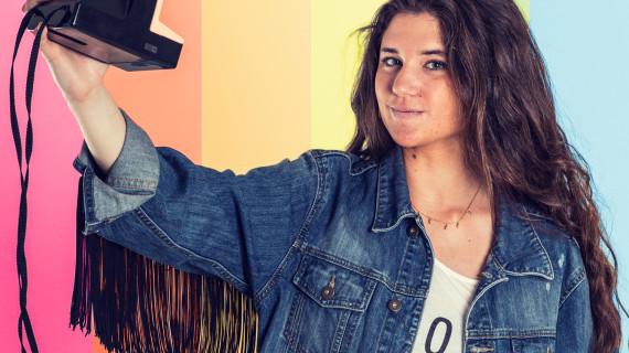 La joven 'instagramer' onubense, Marta Vidaurreta, portada de la revista Siente Huelva