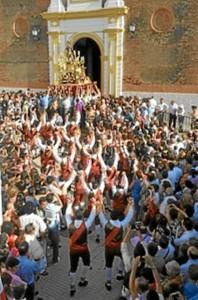 La localidad de Alosno celebra su día grande el lunes 24 con la multitudinaria procesión de San Juan.