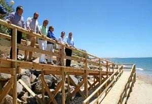 Nueva pasarela de acceso, justo en el límite entre Nuevo Portil y El Portil.