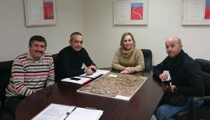 Reunión de la Asociación Pro Vía Verde del Río Tinto con la diputada Laura Martín.