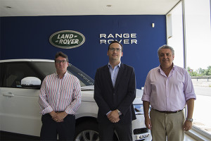 Un cualificado equipo humano gestiona la prestigiosa marca inglesa en Huelva