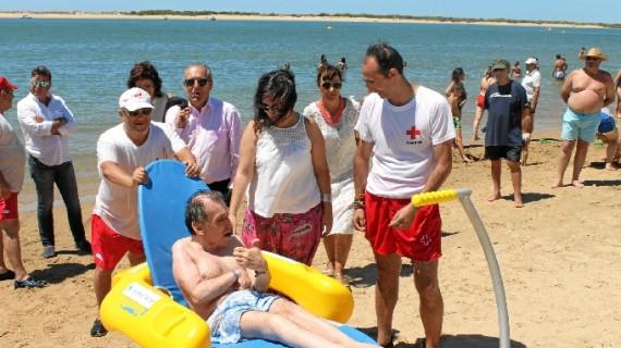 Más de 150 onubenses con discapacidad se benefician del programa 'Un baño sin barreras'
