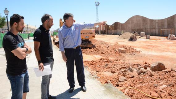 Palos crea 100 nuevas plazas de aparcamiento en el polideportivo municipal