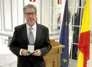 El pintor Juan Fernández ha sido galardonado con la Medalla de Oro que concede Foro Europa 2001.