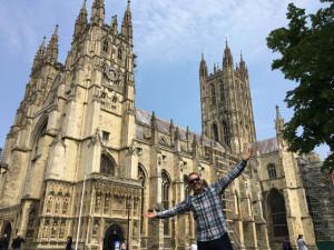 Visitando la catedral de Canterbury.