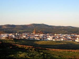 Vista general del municipio de Alosno.