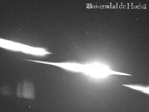 Imagen de la bola de fuego captada por los detectores de la UHU.