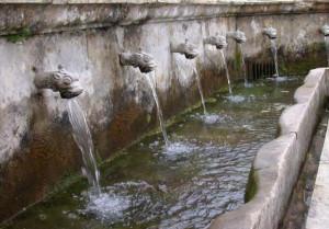 Fuente de Nuestra Señora del Carmen de Galaroza. / Foto: www.conocetusfuentes.com/