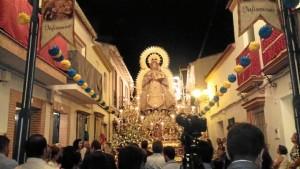 La virgen procesiona cada 16 de agosto por las calles del pueblo.