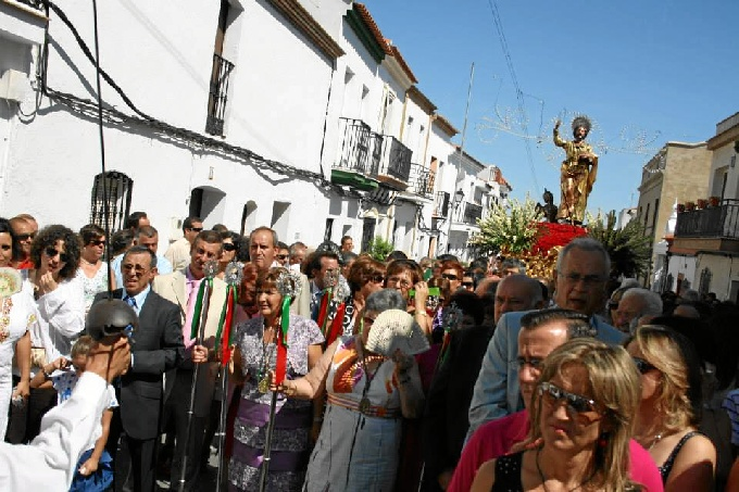 Las fiestas celebran el día de su patrón San Bartolomé Apóstol el 24 de agosto.