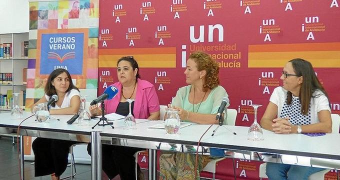 """Zinnia Quirós: """"Twitter permite estar al mismo nivel de poder que la clase política"""""""