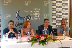La directora y guionista ha sido galardonada con el Premio UHU 'Francisco Elías' en la novena edición del Festival Internacional de Cine Bajo la Luna – Islantilla Cinefórum.