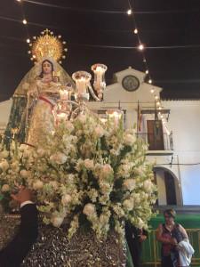 La procesión de la Virgen se inicia el domingo a las 21.00 horas, el momento más solemne de las fiestas.