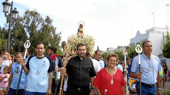 La barriada isleña de 'Punta del Caimán' se prepara para las fiestas en honor de la Virgen del Mar