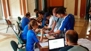 Los voluntarios del Trust se encargaron de las altas en la Casa Colón. / Foto: @RecreTrust.