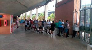 El Nuevo Colombino se abrió para preservar del calor a los socios que fueron a renovar sus carnets. / Foto: @RecreTrust.
