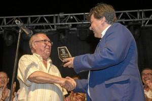 El título de abuelo ha sido para José Martín Pastor.