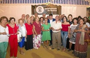 El Espacio Mayor de la Caseta Municipal acogía el tradicional homenaje que durante las Fiestas Colombinas se les brinda a los mayores onubenses.