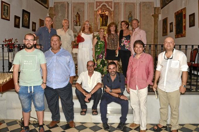 Los Poetas del Guadiana, junto a los autores.