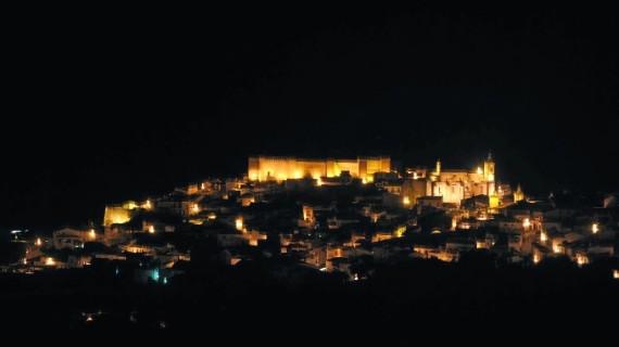 Aroche y su Castillo brillarán en 'La Noche de las Velas'