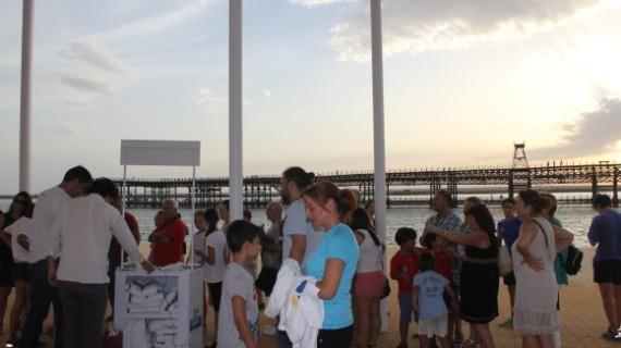 La campaña 'Queremos que #HuelvaSonRía' registra un gran éxito de público en el Paseo de la Ría