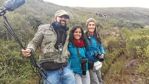 Los tres periodistas andaluces becados por Madre Coraje. De izquierda a derecha: Álvaro Ruiz Hidalgo, Peña Monje y Carolina Morato.