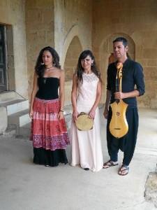 De izquierda a derecha: Clara Campos, Sara Marino y Emilio Villalba.