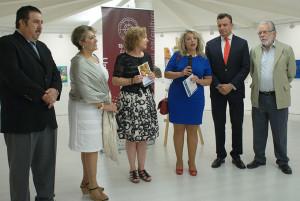 Foto de familia de la inauguración.