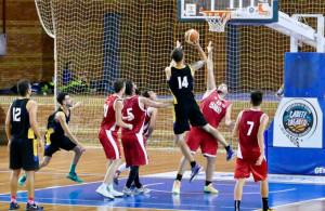 Muy firme se ha mostrado el Huelva en los tres partidos que ha disputada en el torneo. / Foto: www.andaluzabaloncesto.org.